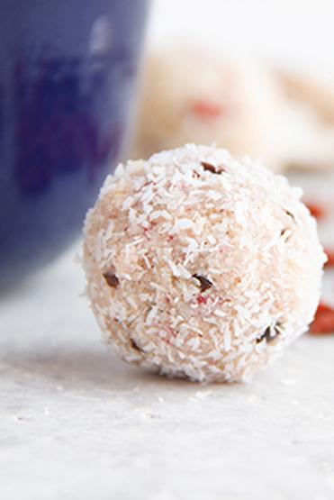 Vanilla Cherry Macaroons