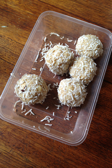 2 Minute Tahini-Lemon Nut Balls