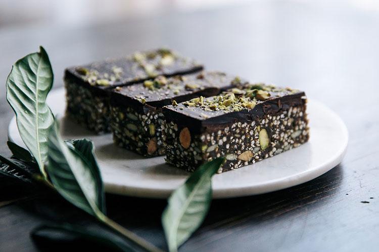 Almond Pistachio Amp Quinoa Dark Chocolate Bars