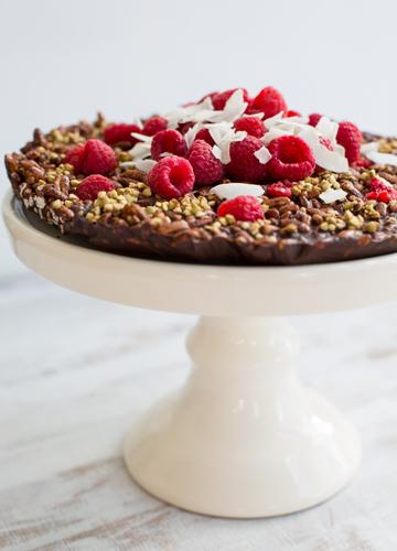 Raw Chocolate Crackle Cake