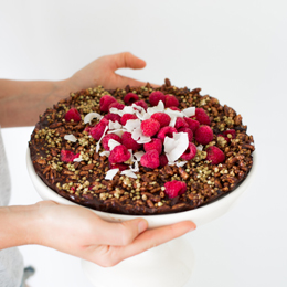 Raw Chocolate Crackle Cake